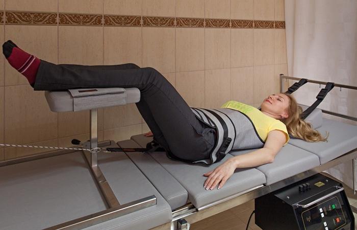 Процедура тракційного витягнення хребта (суха витяжка)